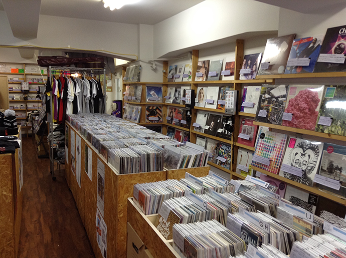 FLAKE RECORDS 店内様子。